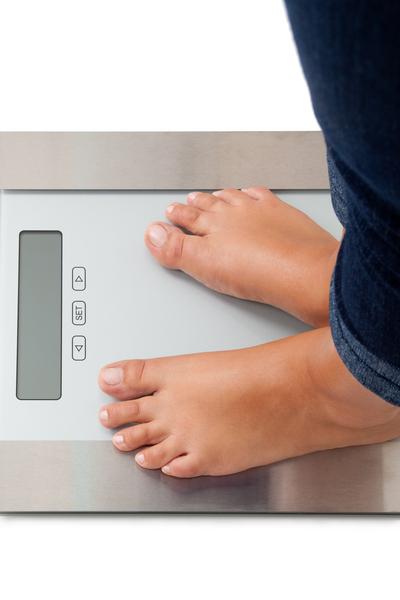 kvinde fodder skalaer vejer kilogram badevaegt
