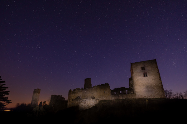ruinen, af, brandenburgs, slot, om, natten - 28215453