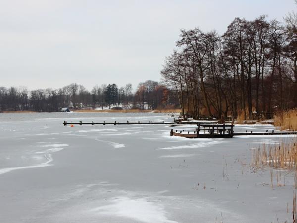 vintersø, med, frosset, vand, og, sne - 29743714