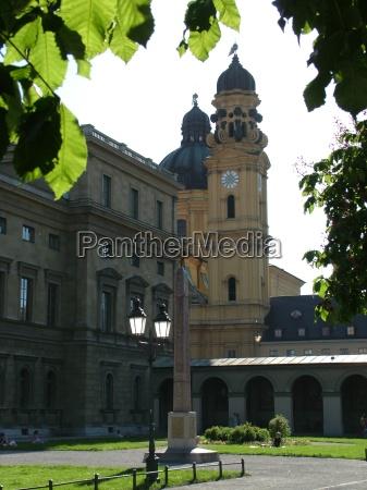 storia chiesa controluce monaco lanterna amministrazione