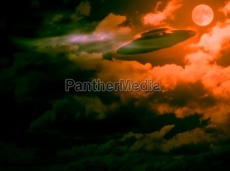 aften fantasi aftenhimmel skraemmende rumskib mareridt