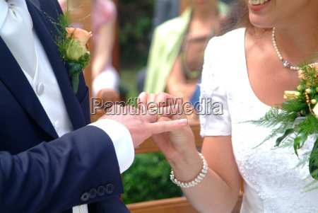 mano manos anillo apreton de manos