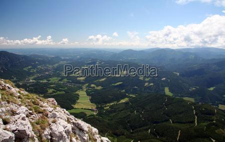 bjerge sten stenmasse stenlag klippe dalen