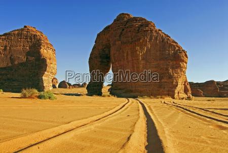 mammoth rock saudi arabien