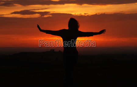 kvinde solnedgang silhuet skitsere himmel firmament
