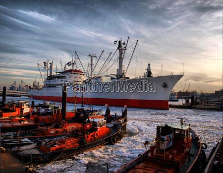 havn hamburg porte elbe fragtskib isflager