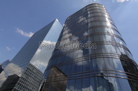 hus hojhus etageejendom bygning moderne spejling
