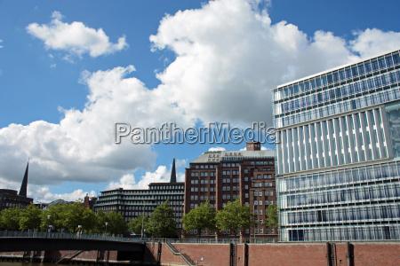 moderne bro hamburg glasagtig glas himmel