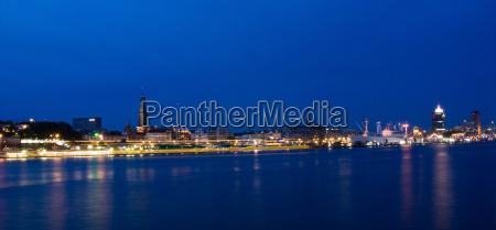 panorama night in the port