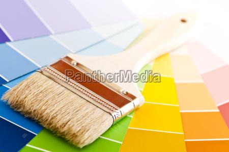 maleborste med farvekort