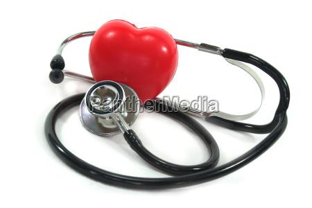stetoskop med rode hjerte