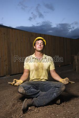 mediterende bygningsarbejder