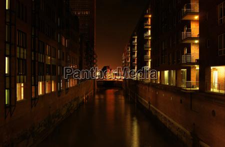 historisk natteoptagelse kanal hamburg stil af