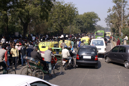 daglige trafik i gaderne i delhi