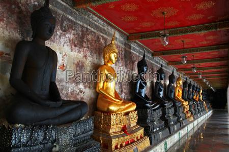 buddha statues suthat temple bangkok
