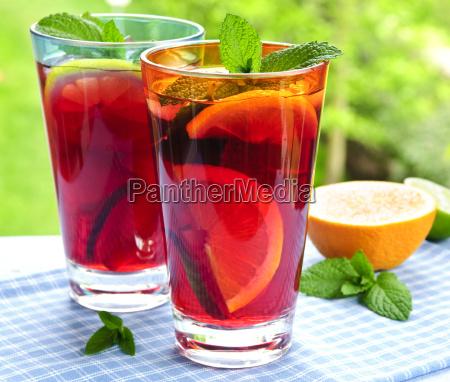 glas frugt traefrugt juice punch mynte