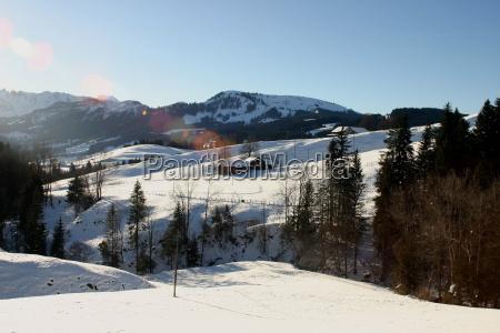 huse bjerge vinter alper schweiz svejts