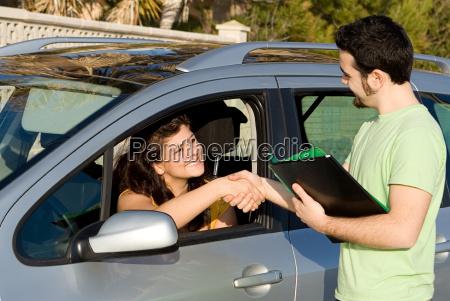 przeszedl jazdy egzamin kupno lub wynajem