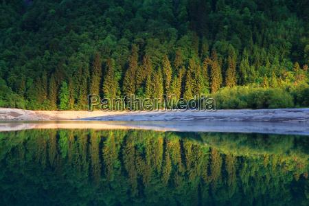 mountain lake in switzerlandkloentalersee