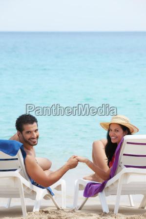 mand og kvinde gor bryllupsrejse i