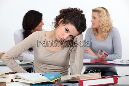 bored kvinde i klassen