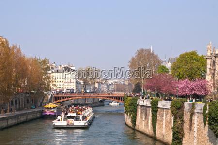 paris frankrig krydse dets cruise belastning