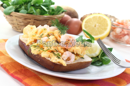 scrambled eggs with dill and shrimp