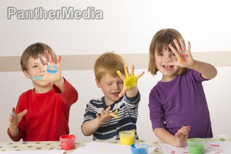 child maleri med fingermaling