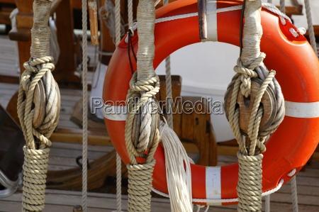 sejlbad trae marine rigge og reb
