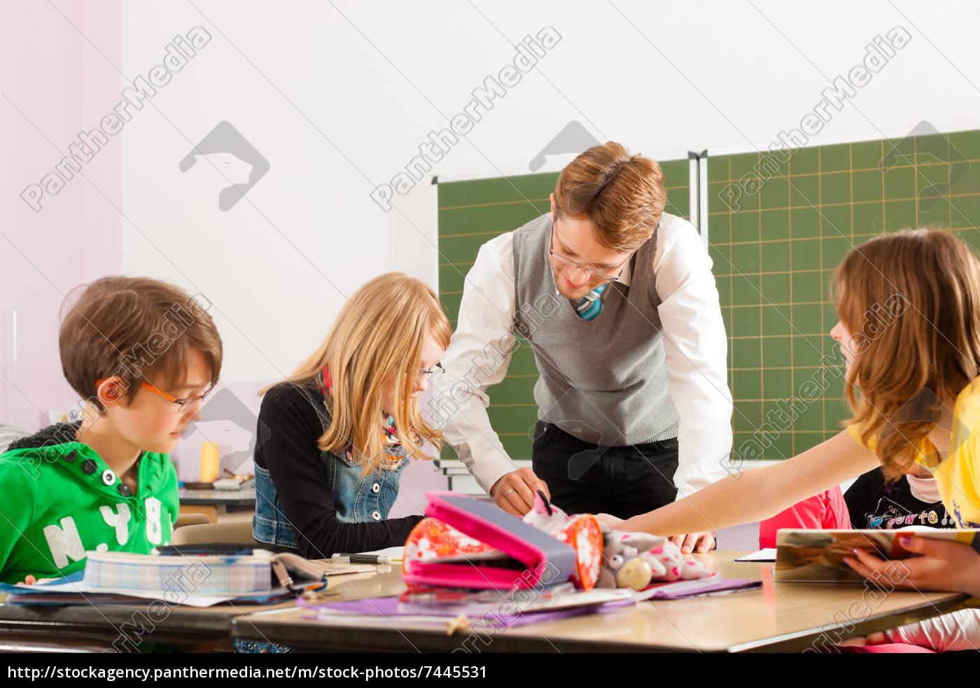 skolebørn, og, lærer, læring, i, skolen - 7445531