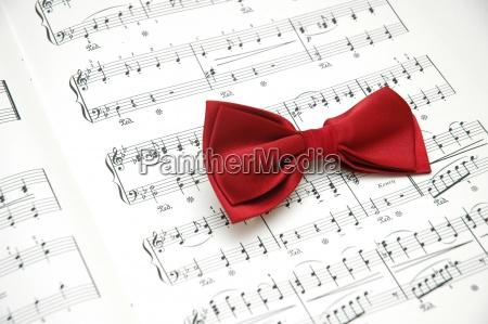 butterfly, på, ark, af, trykt, musik - 7460801
