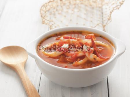 italiensk fisk og skaldyr blaeksprutte tomat