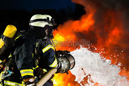 brandmaend brandmaend slukke en brand