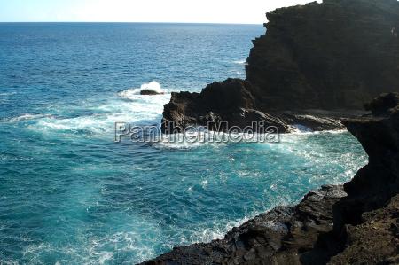makapuu rocky sea beach
