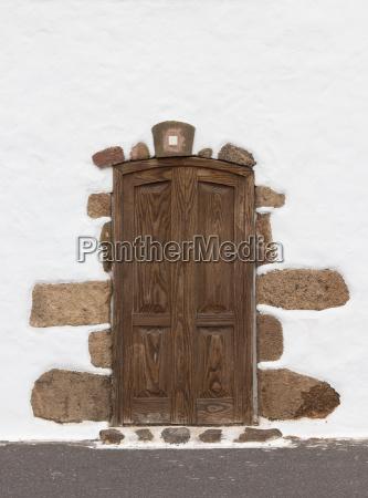 age doorway