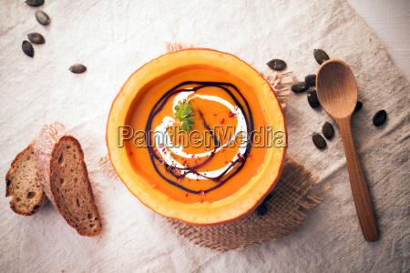 græskar, suppe, serveret, i, sværen - 10055058