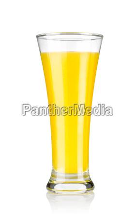 appelsinsaft i et glas isoleret pa