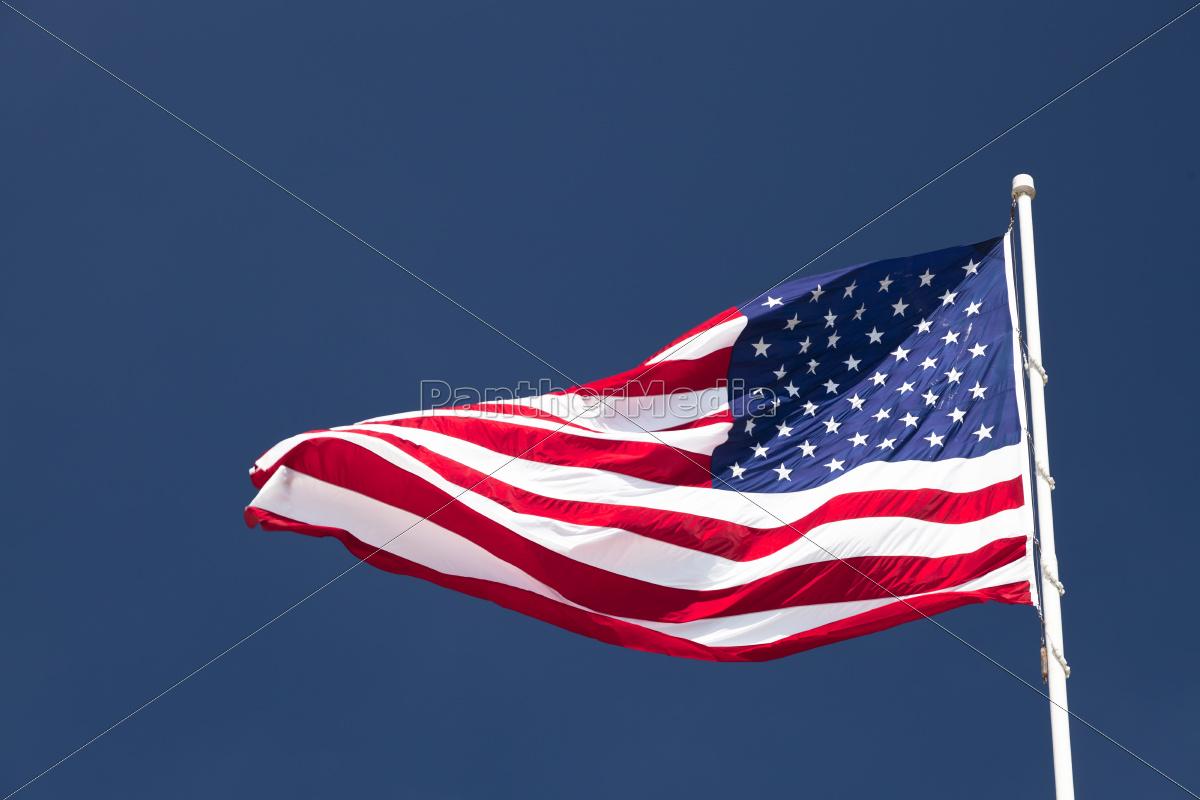usa, fahne, vor, wolkenlosen, himmel - 10391581