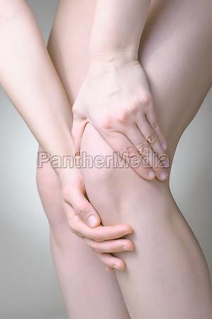 smerte braekket itu kvaestelse smerter ben