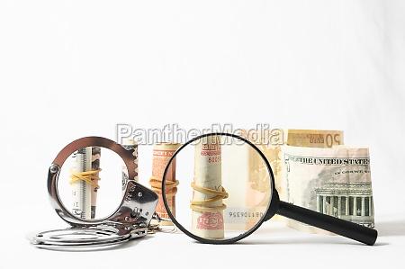corruzione euro crimine tassa tasse manette