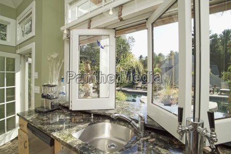 vask pa granit counter ved abent