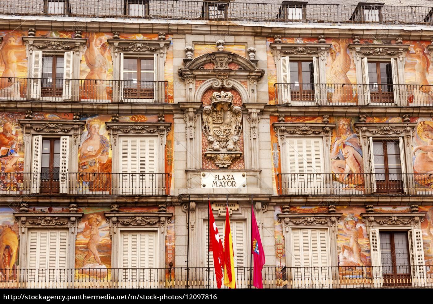 plaza, mayor, cityscape, towers, madrid, spanien - 12097816