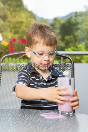 mad levnedsmiddel naeringsmiddel fodevare hjemme drik