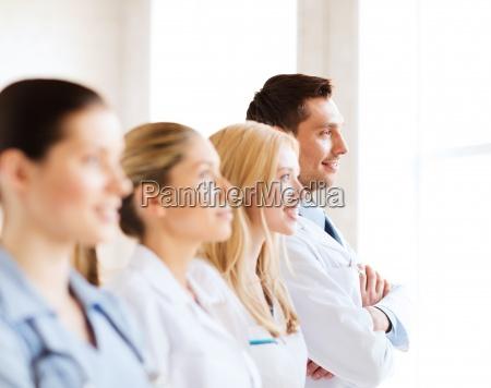laege medic kvinde bla mennesker folk