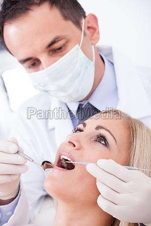 tandlaege undersogelse patient