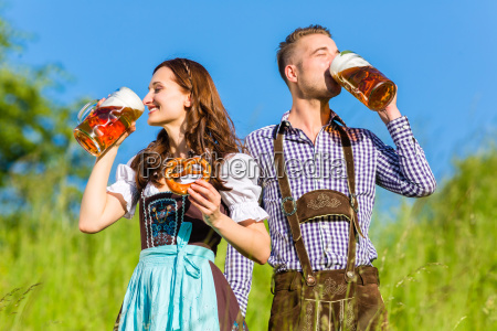kvinde bayern ol oktoberfest par mand