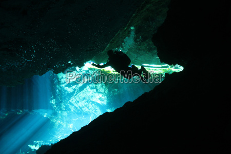 hule undersoisk dive dykning hovedspring mexico