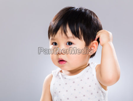 overrasket baby skrabe head