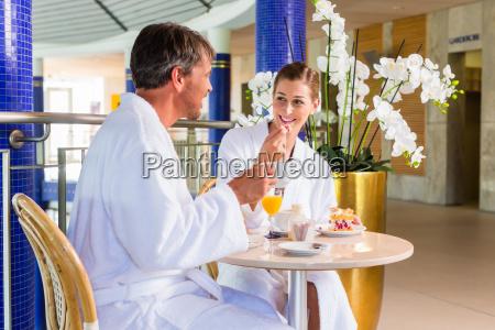 kvinde cafe restaurant mennesker folk personer