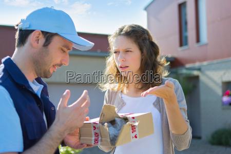 kvinde kompensation smapakke skade skader vred